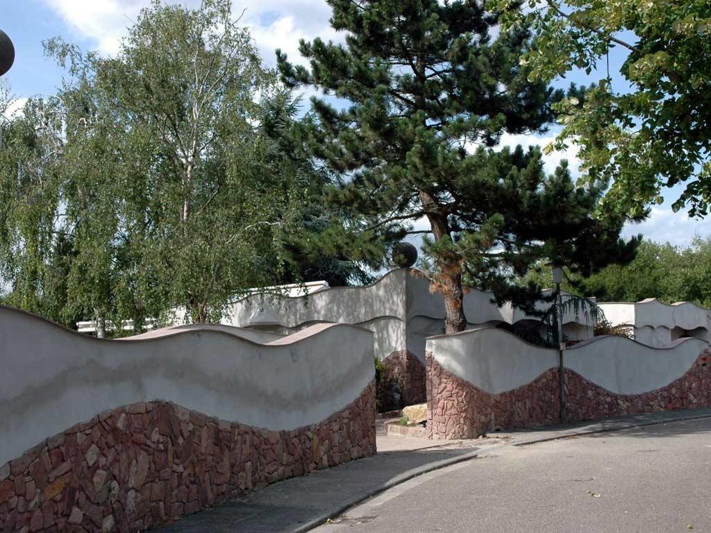 Fassadengestaltung: Stimmige Linien in Naturstein