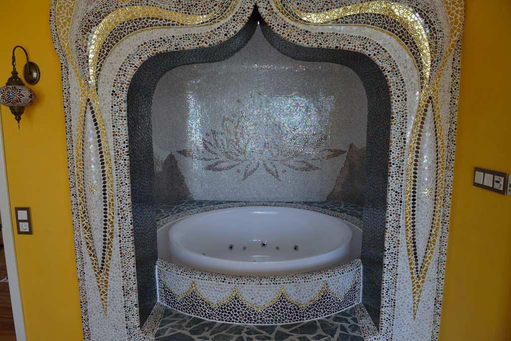 Außergewöhnliche Wohnideen: Whirlpool mit plastischen Formen