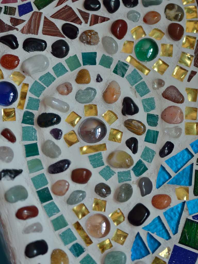 Mosaikkunst: Gold- und Glasmosaik mit Halbedelsteinen (Detailaufnahme)