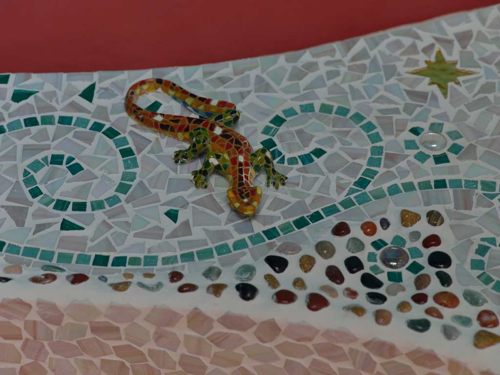 Mosaikkunst: Gecko in Mosaik - auf Mosaik