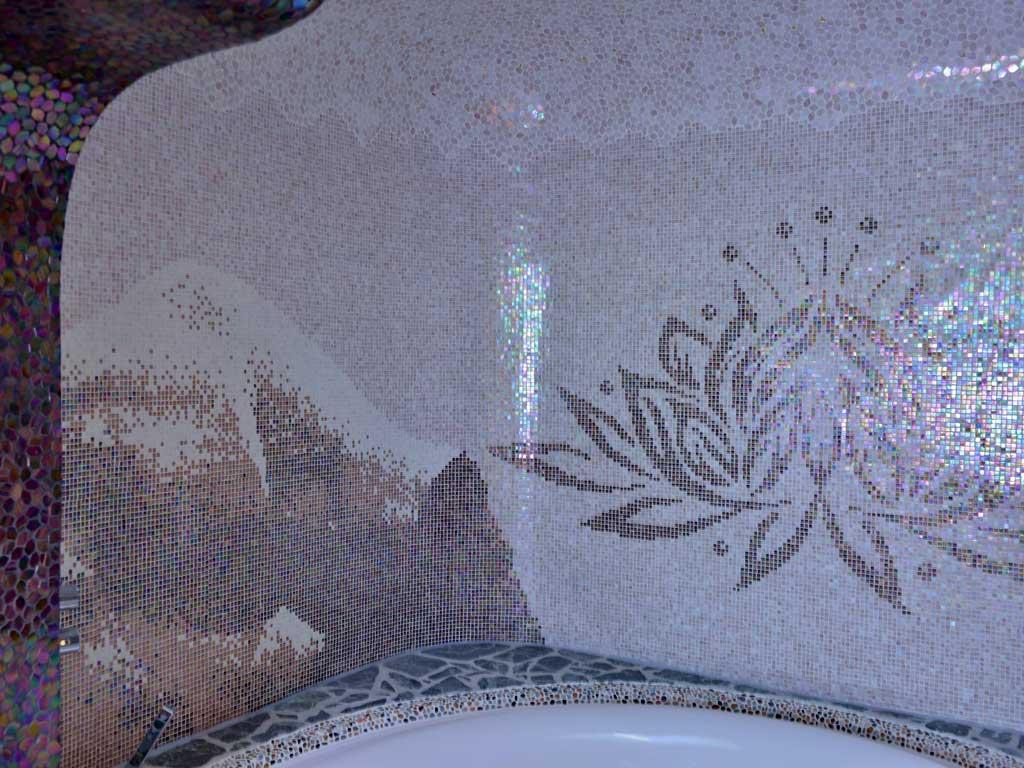 Wellnessbereiche: Himalaya-Gebirge mit Lotusblume (Glasmosaik)