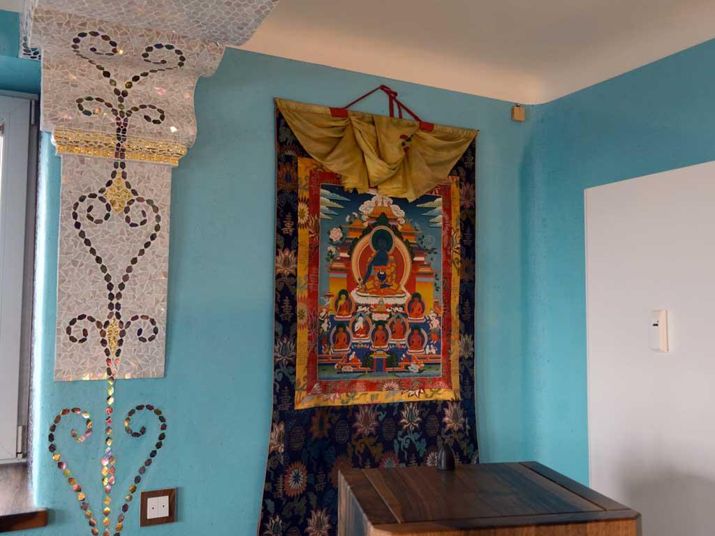 Wohnraumgestaltung: Verspielte Wandelemente in organischen Formen