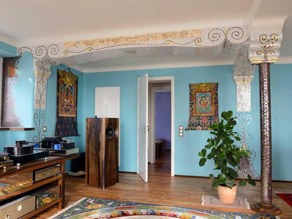 Wohnraumgestaltung: Verkleideter Stahlträger im Musikzimmer