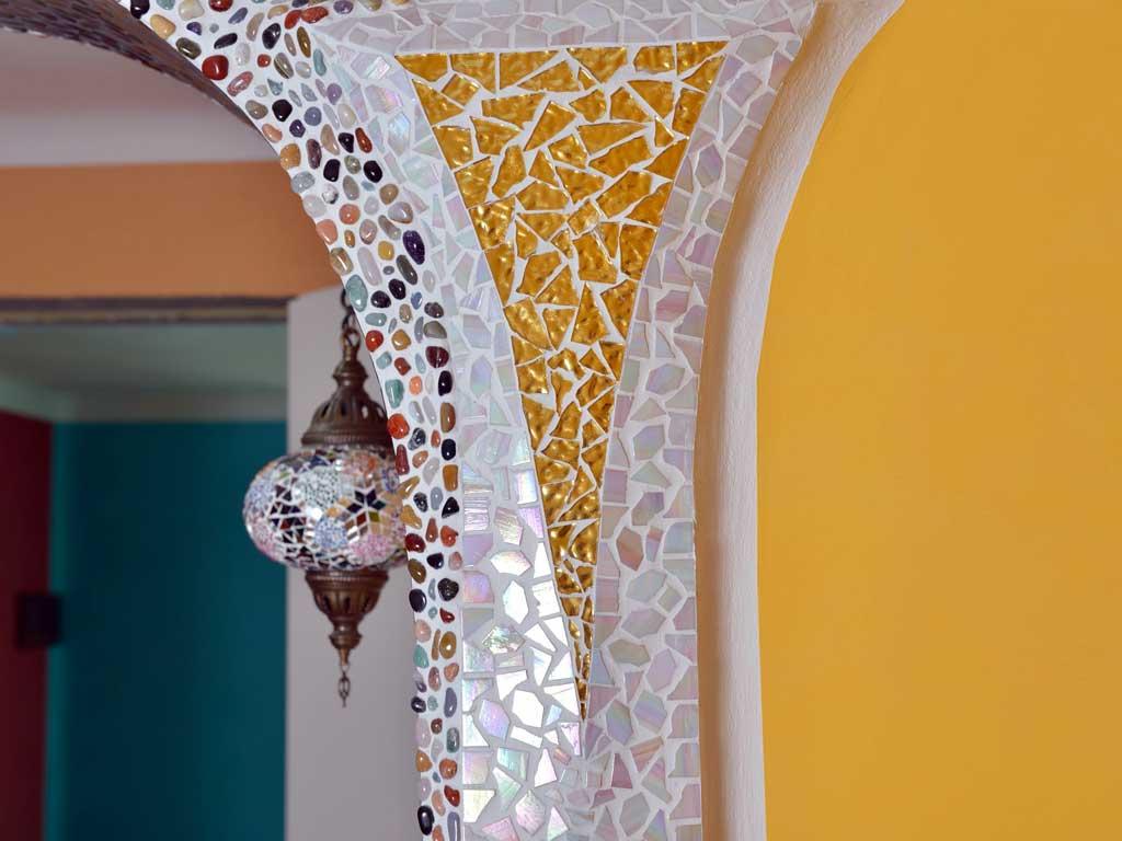 Wohnraumgestaltung: 24k Goldmosaik