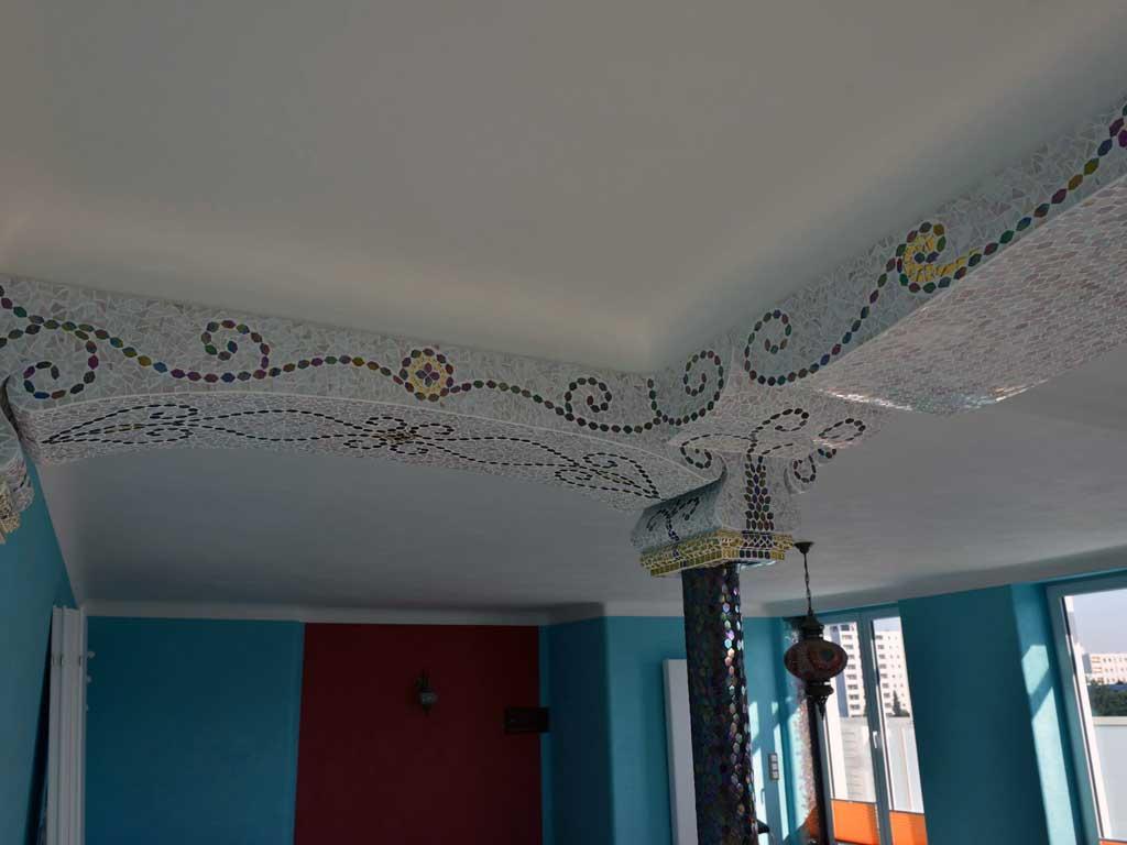 Wohnraumgestaltung: Deckenabschluss in Bogenform