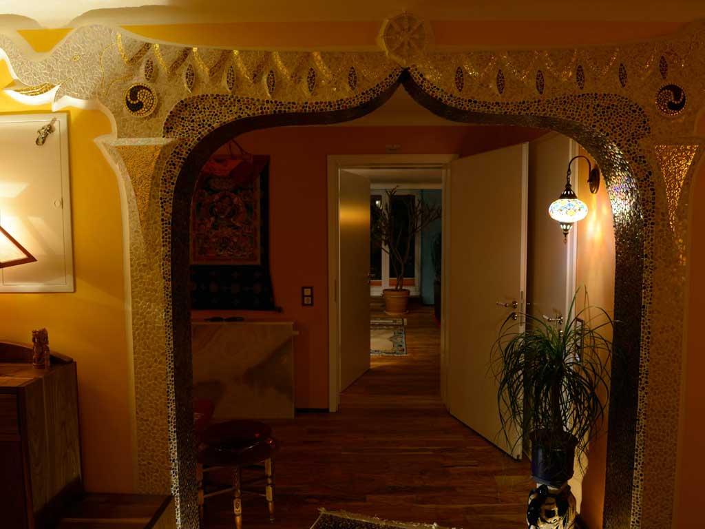 Wohnraumgestaltung: Künstlerische Gestaltung mit Elefanten in Mosaik