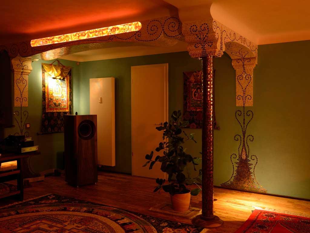 Wohnraumgestaltung: Hinterleuchteter Alabaster (Raum am Abend)