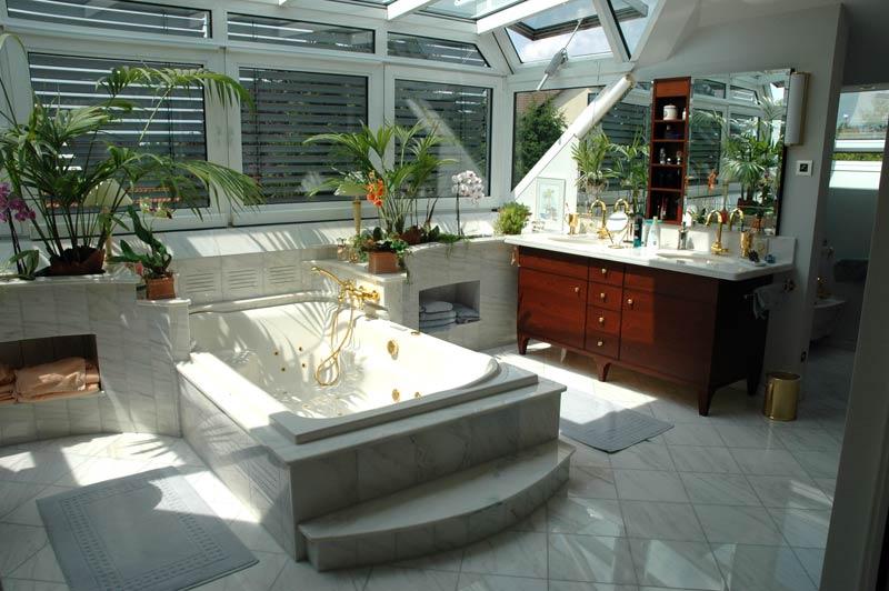 Ehemaliger Wintergarten der zu einem Marmorbad umgebaut wurde